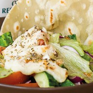 Салат запеченный с брынзой Фото