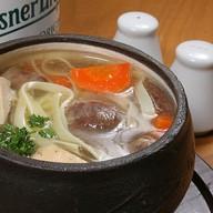 Суп с лапшой и с утиными потрошками Фото