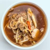 Острый суп с телячьей вырезкой Фото