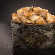Острые суши с угрём Фото