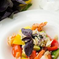 Салат овощной с крабом Фото