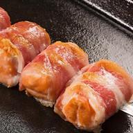 Шашлычок из лосося в беконе Фото