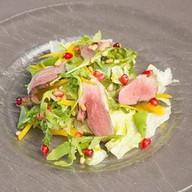 Салат с копченой уткой Фото