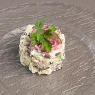 Салат с черными груздями, бужениной Фото