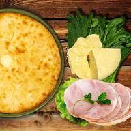 Осетинский пирог с ветчиной и сыром Фото