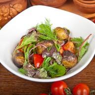 Салат с черными груздями и картофелем Фото