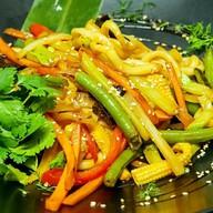 Вок с овощами Фото