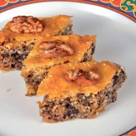 Пахлава с грецким орехом Фото