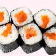 Мини ролл с копченым лососем Фото