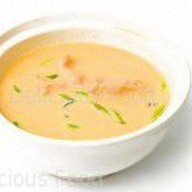 Сливочный суп с лососем и окунем Фото