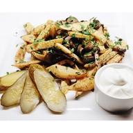 Картофель жареный с грибами и лучком Фото