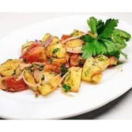Картофель жареный с томатом и луком Фото