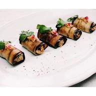 Рулетики из баклажана с грецким орехом Фото