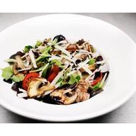 Салат мясной с говядиной и грибами Фото