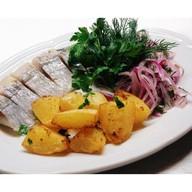 Филе селедки с картофелем и луком Фото