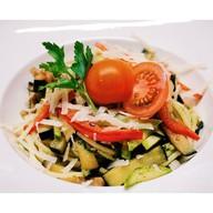 Спагетти с овощами и соусом песто Фото