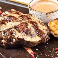 Перчёный стейк из говядины Фото