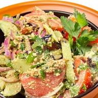 Овощной салат по-грузински с орехами Фото