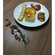 Комплексный завтрак с омлетом Фото