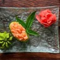 Капа суши с копченым лососем Фото