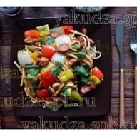 Лапша с овощным рагу и со свининой Фото