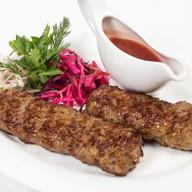 Кебаб из говядины с грецким орехом Фото