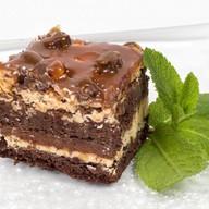 Карамельно-ореховое пирожное Фото