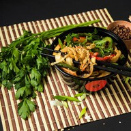 Лапша жареная вегетарианская Фото