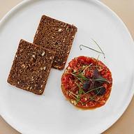 Тар-тар из говядины с томатным песто Фото