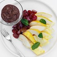 Шоколадный мусс с фруктами Фото