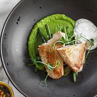 Филе тунца с зеленой фасолью Фото