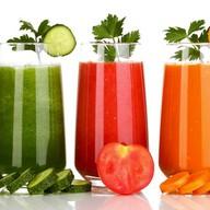 Сок свежевыжатый овощной Фото