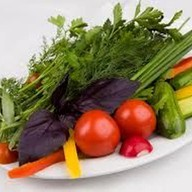 Свежие овощи с зеленью Фото