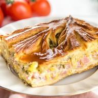 Пирог с ветчиной и сырами Фото