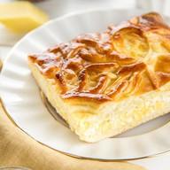 Пирог с сыром и творогом Фото