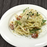 Спагетти с креветками и цукини Фото