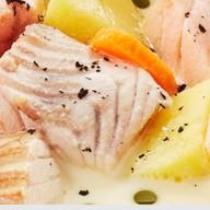 Уха с форелью и лососем со сливками Фото