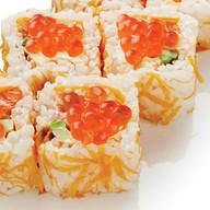 Ролл оранжевый с лососем, сыром и икрой Фото