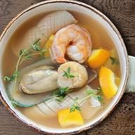 Средиземноморский рыбный суп Фото