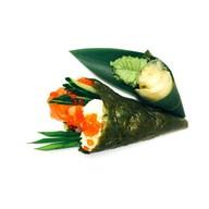 Авторский ролл Темаки с лососем Фото