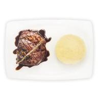 Стейк из говядины с соусом бальза Фото