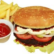 Бургер с бифштексом из телятины Фото