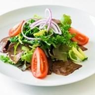 Салат с телятиной-гриль Фото