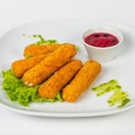 Сырные палочки фри с клюквенным соусом Фото
