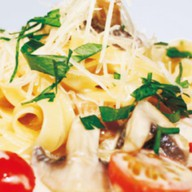 Спагетти с белыми грибами Фото