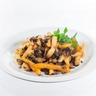 Жареный картофель с грибами Фото