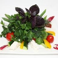 Овощи, сыр, зелень Фото