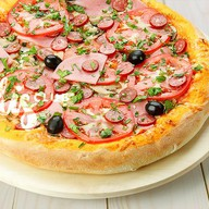 Пицца Домашняя пышная Фото