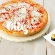 Пицца Маргарита+ролл запеченный с крабом Фото