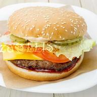 Бургер классический с котлетой Фото